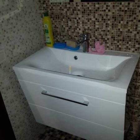 Тумба в ванную комнату с крашеного МДФ навесная